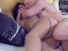 Juicy ass brunette babe in pantyhose gets face fucked