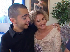 Mature slut showing us what a good fuck is cuckolding her man