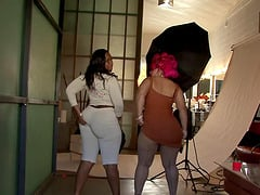 Pinky and Skyy Black placed themselves on an untiring fucker