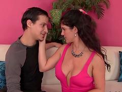 Granny mandy mcgraw seduces boy, hot babe cumshot video