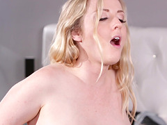 Karla Kush seduces a pregnant blonde for an erotic experience