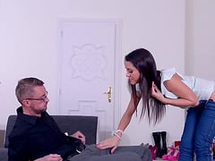 Samia Duarte worksin this store but can make a break for some cock