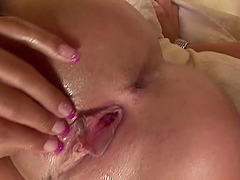 Two hot lesbian girls rubbing each others cunts