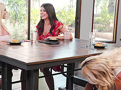 Sweet lesbians India Summer and other girls want to masturbate together