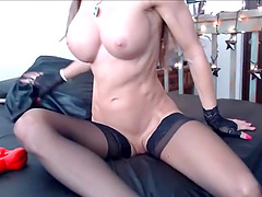 Horny fit girl loves fucking her pussy on webcam live