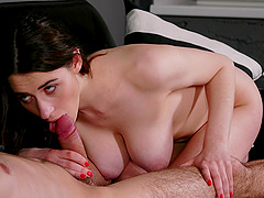 Balls deep fucking in doggystyle and cowgirl with curvy Clary