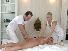 FFM 3-way on the massage table with sexy Uma and gorgeous Zuzana Z